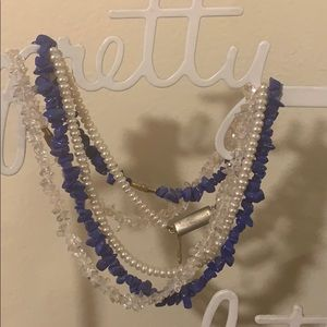Necklace blue stone, pearl and white stone